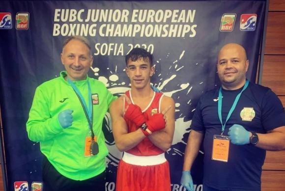 Седми медал за България от Европейското по бокс за юноши