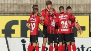 Локо (София) 1:0 Септември (Симитли), пореден гол за Диков във Втора лига