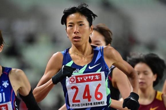 В Япония паднаха рекордите на 10 000 метра при мъжете и...