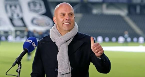 АЗ Алкмаар уволни треньора си, защото водел...