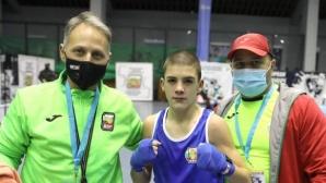 Кристиян Цветанов се класира за финала на Европейското по бокс