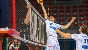 Георги Сеганов и Чистерна без шансове срещу Лубе в отложен мач (снимки)
