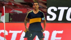 Тевес донесе победата на Бока с 39-годишна фланелка на Марадона (видео)