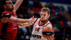 Везенков игра 9 минути при загуба на Олимпиакос в Евролигата