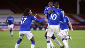 Трудна, но сладка победа залепи Евертън зад Ливърпул (видео)