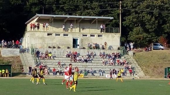 Реконструират стадиона в Тервел