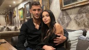 Футболист на Левски се разсъблече за гореща фотосесия с гаджето