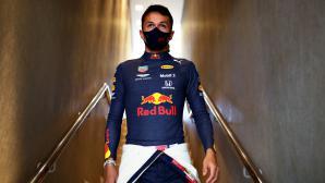 Албън ще кара Ферари в DTM