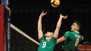 България се справи и с Израел в странен мач (видео + галерия)