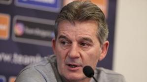 Костадинов: Всеки има любимци, аз също имам, но треньорът избира играчите (видео)