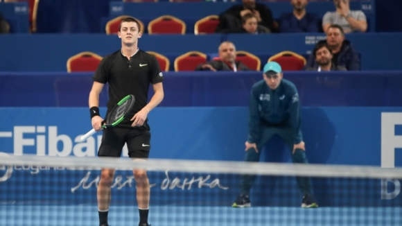 Лазаров отпадна в първия кръг в Анталия