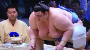 Аоияма допусна шеста загуба в Токио