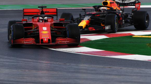 """Според Ред Бул от Ферари са """"намерили"""" липсващите 50 конски сили за сезон 2021"""