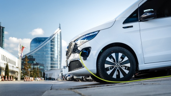 Инвазия на електрически модели на Mercedes-Benz в България през 2021