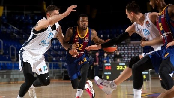 Барселона отнесе Зенит и остава на върха
