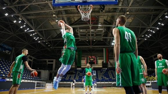 Как България може да преметне Латвия и да се класира на ЕвроБаскет 2022