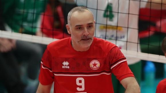 48-годишната волейболна легенда Ивайло Стефанов: Ще играя докато мога и докато го искам (видео)