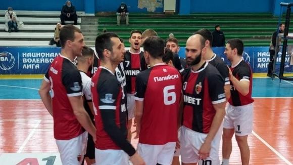 Локомотив (Пловдив) записа 11-а победа във Втората осмица, взе гейм с 25:7