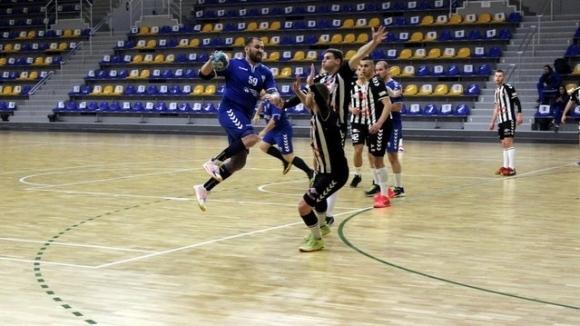 Шумен-61 поведе в мъжкото хандбално първенство (видеа)
