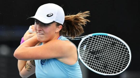 """Шампионката от """"Ролан Гарос"""" тръгна с чиста победа в Аделаида"""