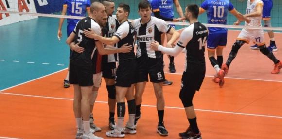 Локомотив излъга Дунав в дербито за челото на втората осмица (видео + снимки)