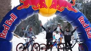 """Десетки колоездачи се включиха в зрелищния """"Зимен байк дуел"""""""