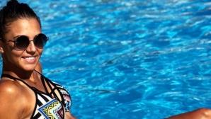 Румънска тенисистка привлича погледите с перфектни извивки