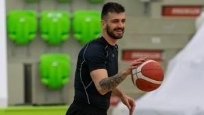 Звезда на Балкан бори проблем с килограмите