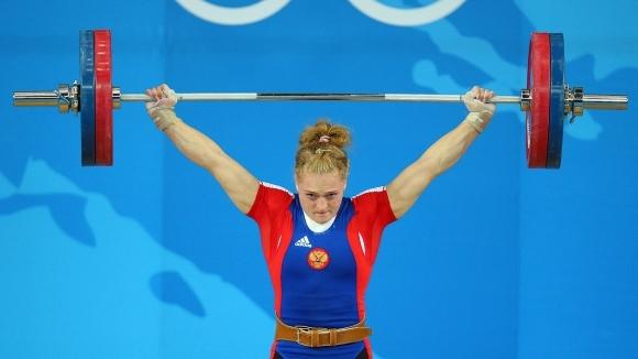 Спряха временно правата на олимпийска шампионка в щангите