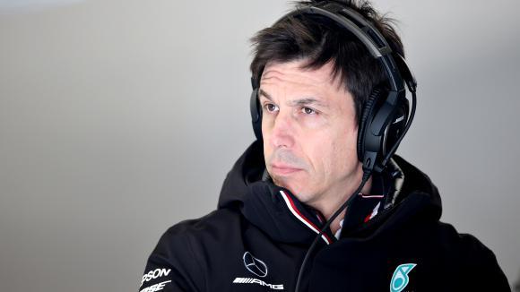 Волф: Формула 1 е длъжна да експериментира със спринтови състезания