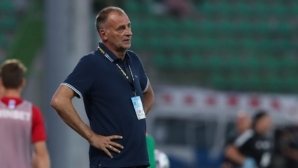 Засега Здравков остава треньор на Ботев (Враца)