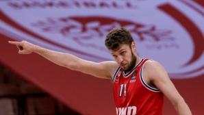Фантастичен Везенков върна Олимпиакос в правия път (видео)
