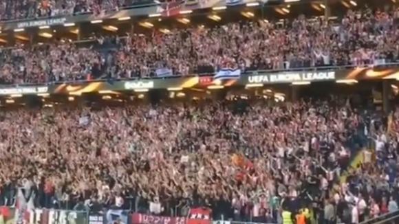 Феновете на Аякс създадоха страхотна атмосфера на финала в Стокхолм
