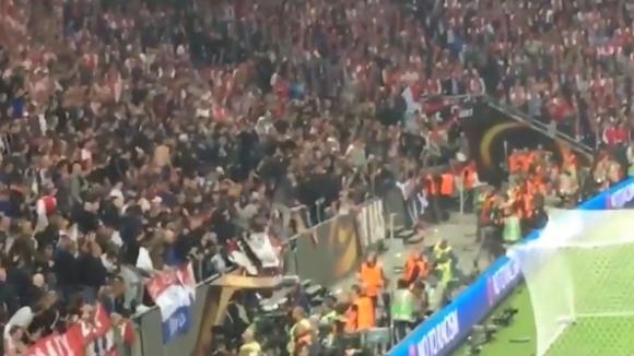 "Привържениците на Аякс изпочупиха седалките на ""Френдс Арена"""