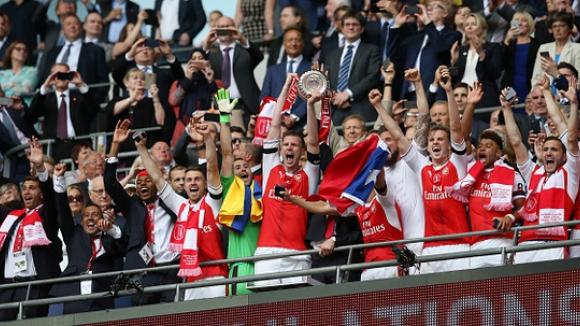 Арсенал е новият носител на ФА Къп