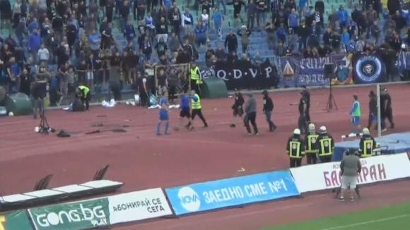Атакуваха играчите на Левски след загубата
