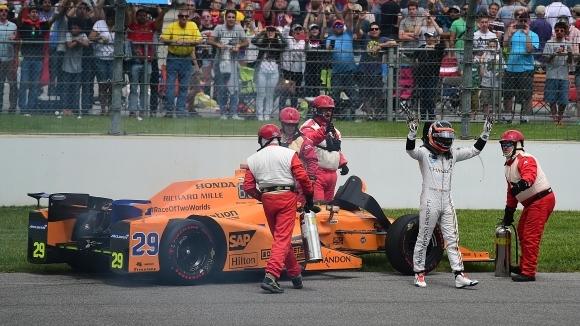Алонсо отпадна от Инди 500 заради двигателя