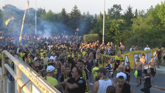 Израелските фенове с шествие в Бургас