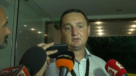 Караславов: Търсим нападател и той ще бъде българин