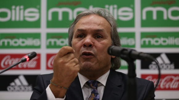 Селекционерът на Алжир нападна журналист заради Марез