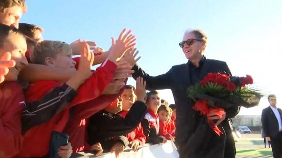 "Стотици деца се докоснаха до Франко Барези на стадион ""Локомотив"""