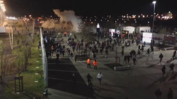 Сблъсъци между ултрасите на Лион и полицията преди реванша с ЦСКА (Москва)