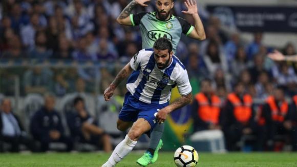 Порто вкара 5 и се завърна на върха в Португалия