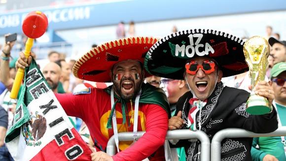 Феновете на Мексико в екстаз след гола във вратата на Южна Корея
