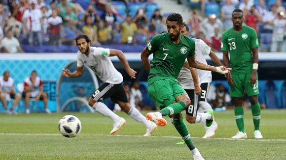 Салман Ал Фараж вкара ВАР дузпа и изравни резултата в мача Саудитска Арабия - Египет