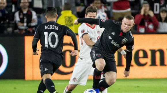 Рууни с два гола при победа на ДС Юнайтед