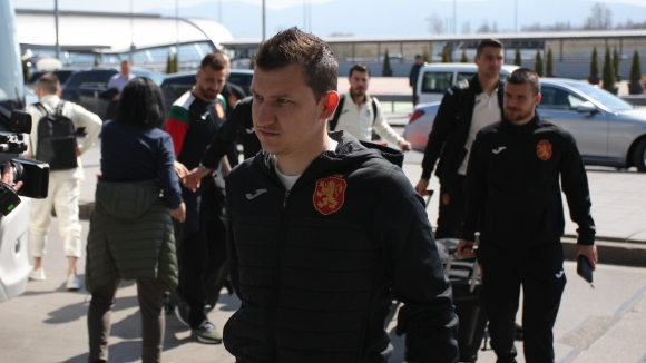 Националите заминаха за Косово