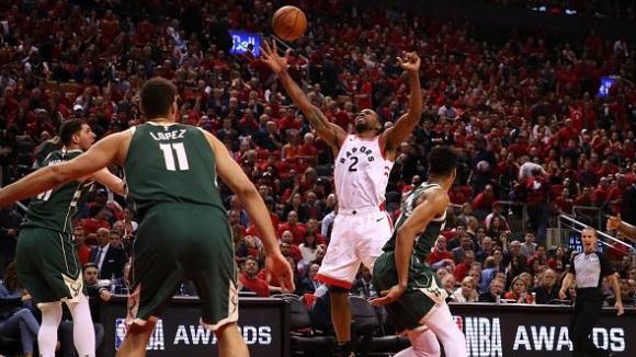 Торонто победи Милуоки и изравни серията във финала на Изток