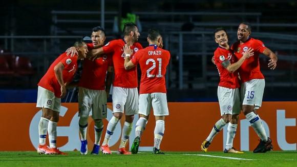 Чили започна с победа защитата на титлата