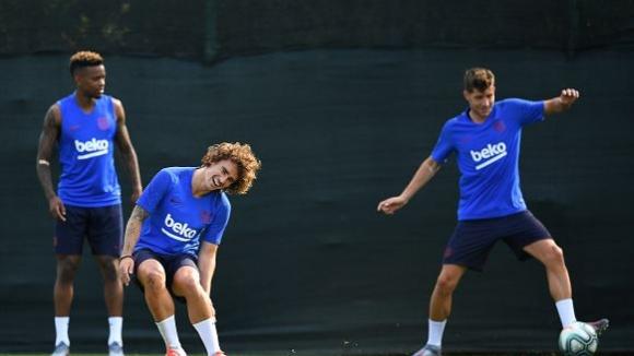 """Гризман отнесе """"мрежичка"""" за добре дошъл в Барселона"""